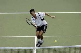 Pertandingan tenis merupakan contoh kinematika